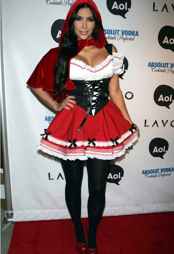 Le corset de Kim Kardashian sur tapis rouge !