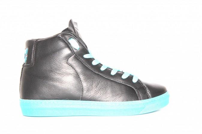 Sneakers en cuir, American College sur americancollegeusa.com 139 €