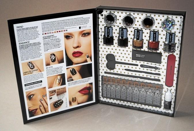 Kit de maquillage pour les ongles, Front Cover, Dark Arts 25€