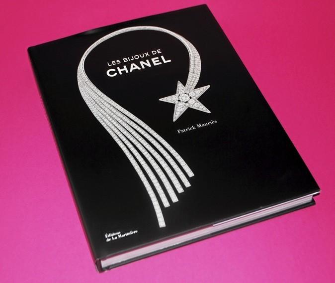 Livre Les bijoux de Chanel, de Patrick Mauriès, éditions de La Martinière 80 €