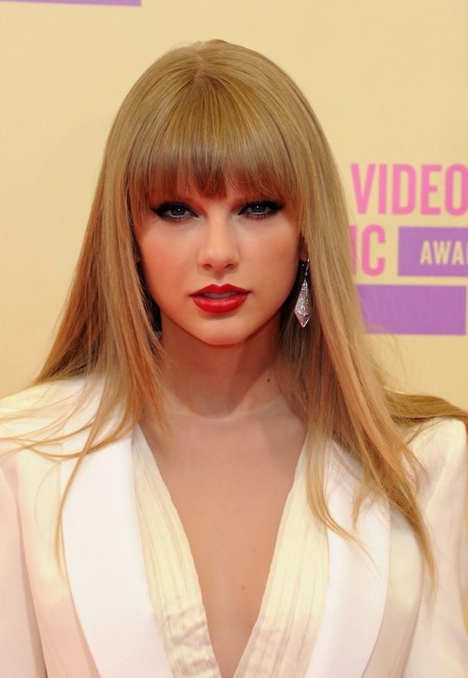 Taylor Swift avait opté pour sa célèbre frange !