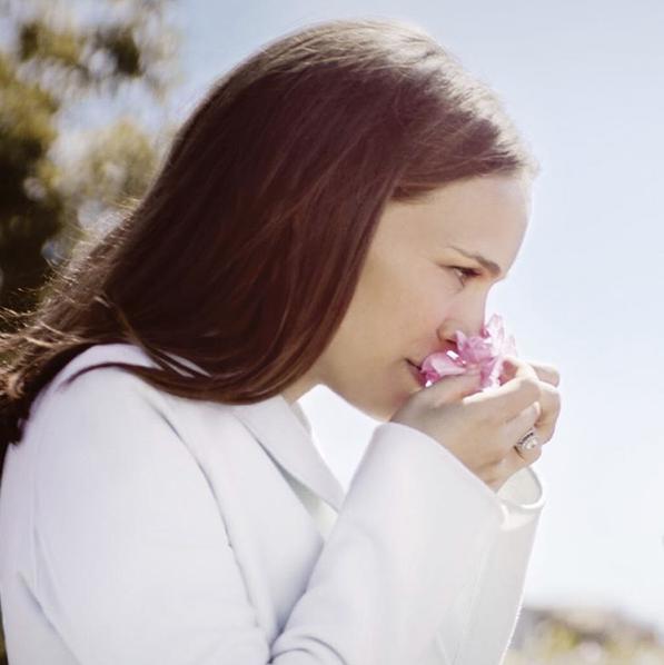 Natalie Portman : elle joue une femme séductrice dans la nouvelle campagne Dior Parfums !
