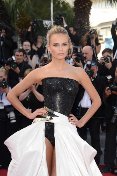 Natasha Poly sur le tapis rouge du festival de Cannes