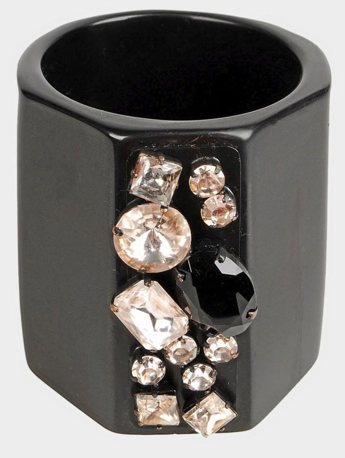 Yoox : Bracelet Vionnet à 122€ au lieu de 305€