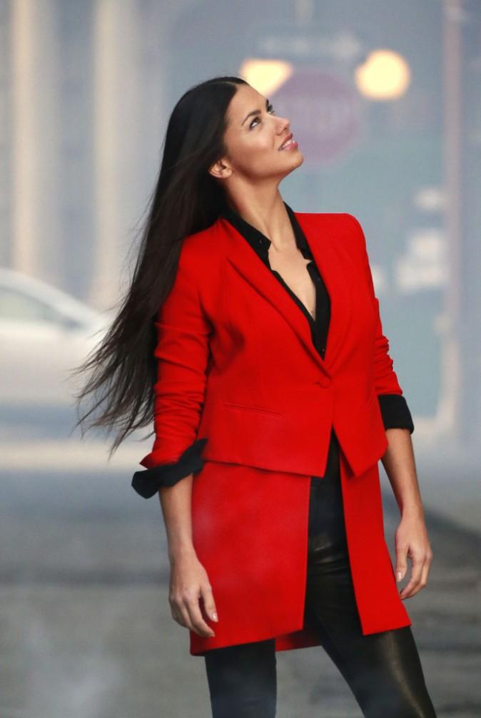 Photos : Adriana Lima nous en dit un peu plus sur la prochaine campagne Maybelline !