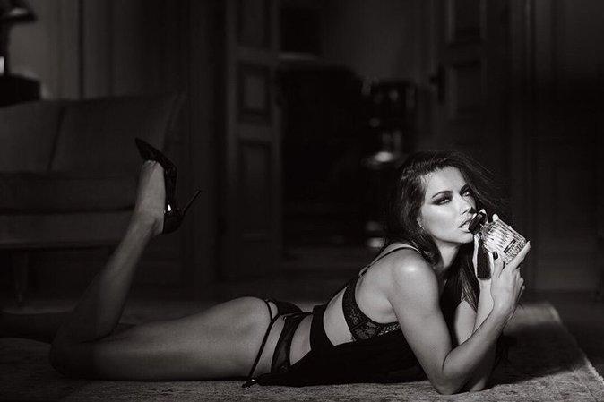 Adriana Lima pour Intense le nouveau parfum de VS