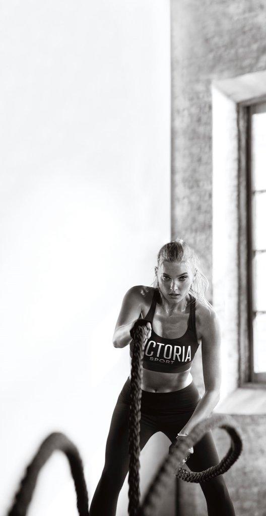 Photos : Elsa Hosk nous présente la gamme Victoria Sport !
