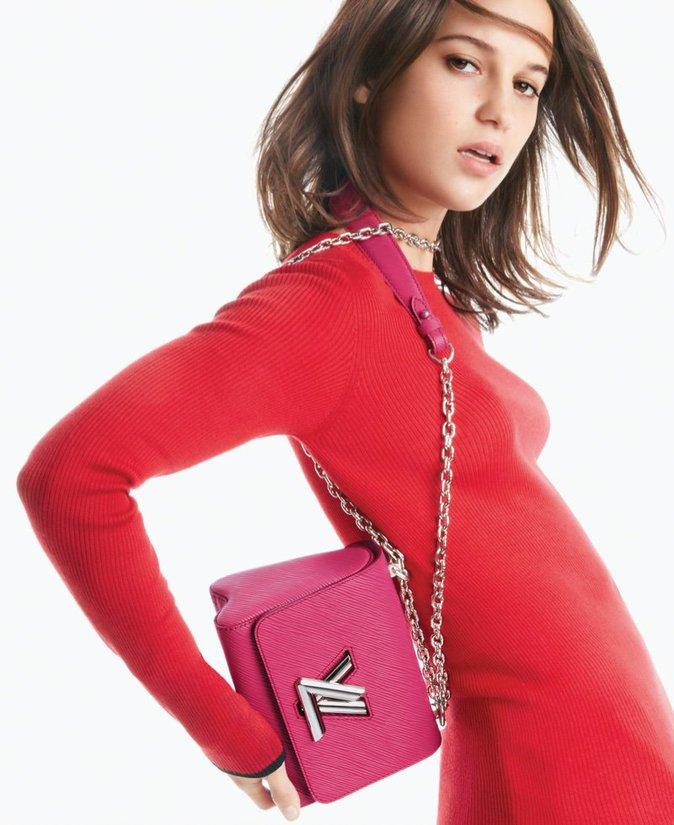 Photos : Alicia Vikander : poétique et sensuelle pour la nouvelle campagne Louis Vuitton