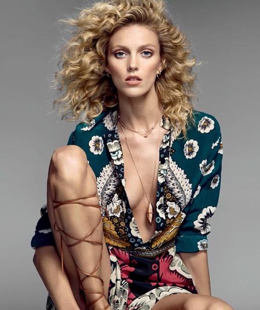 Anja Rubik en look ethnique chic