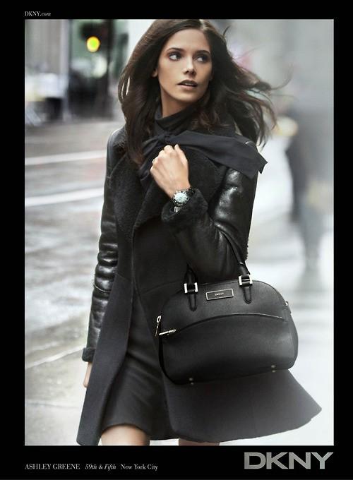Ashley Greene pour DKNY Fall-Winter 2012Ashley Greene pour DKNY Fall-Winter 2012