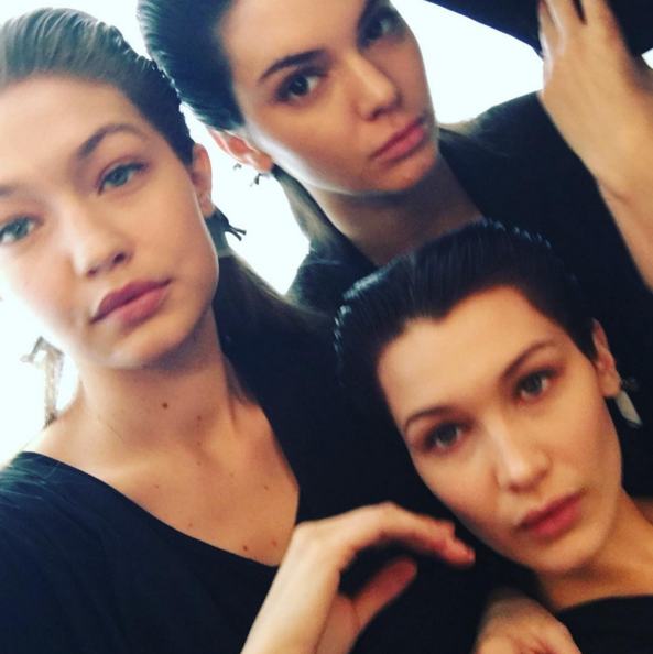 Photos : Bella Hadid, Emily Ratajkowski, Irina Shayk... Bombesques au défilé Miu Miu