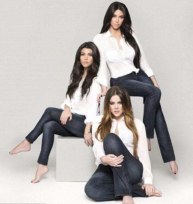 Les Kardashian lancent leur ligne de jeans denim !
