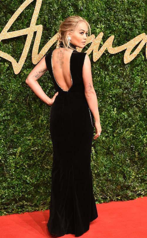 Rita Ora aux British Fashion Awards, à Londres le 23 novembre 2015
