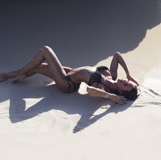 Candice Swanepoel en maillot de bain pour Victoria's Secret