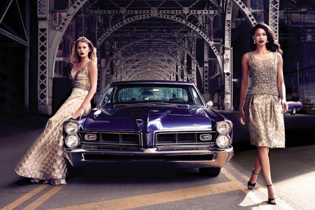 Chanel Iman et Tori Praver posent pour la nouvelle campagne de Dennis Basso