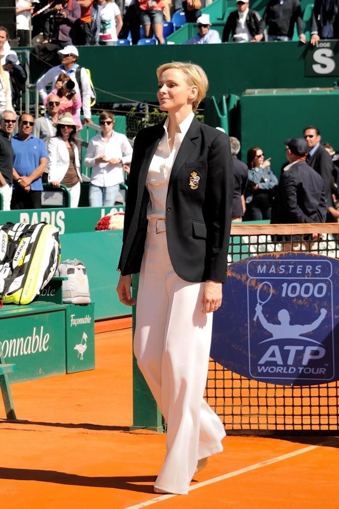 A Monte Carlo, elle porte le tailleur blanc !