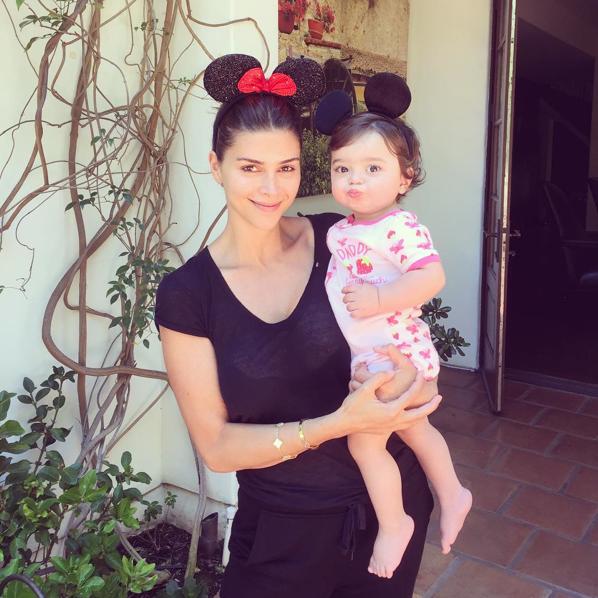 Photos : Découvrez la belle-mère stylée de Gigi et Bella Hadid !