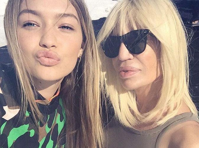 Photos : Donatella Versace bien entourée pour son arrivée sur Instagram !