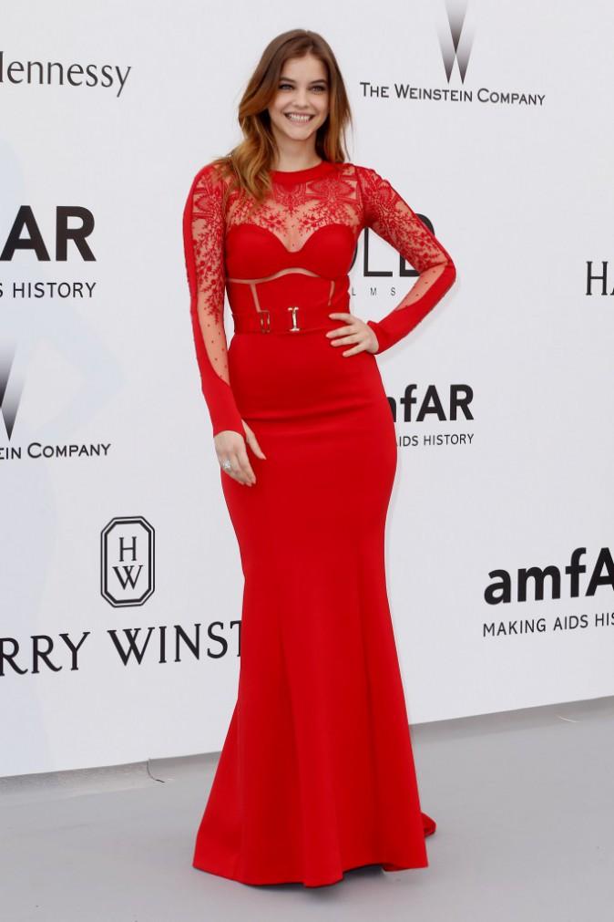 Barbara Palvin en Calvin Klein, le jeudi 22 mai au gala AmfAR
