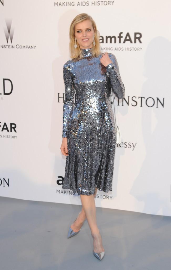 Eva Herzigova en Dior, le jeudi 22 mai au gala AmfAR