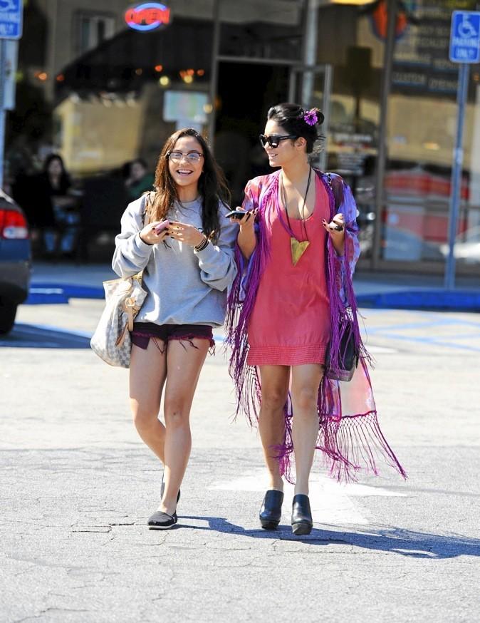 Vanessa Hudgens et sa soeur Stella : dans l'ombre de la star.