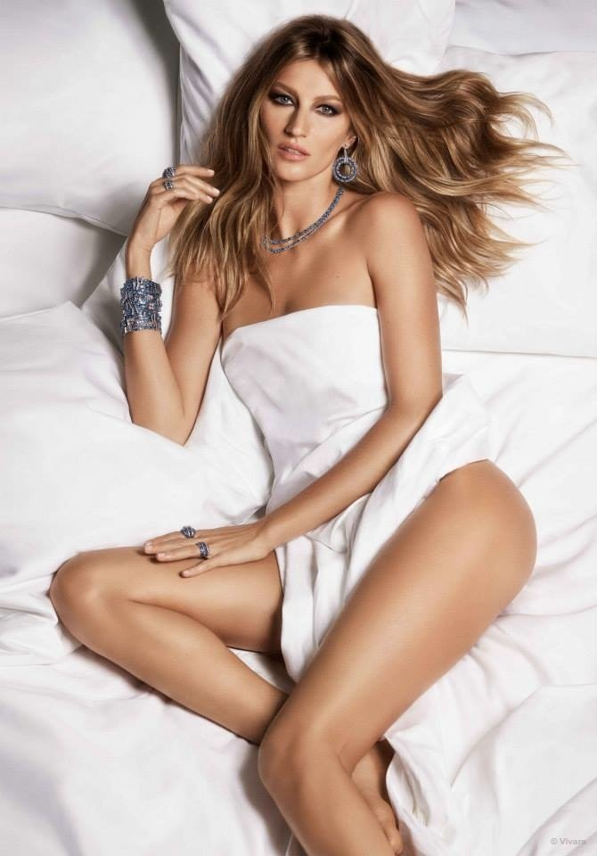Photos : Gisèle Bündchen suave et dénudée pour les bijoux Vivara !
