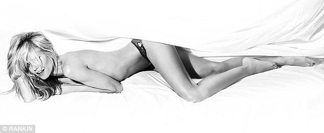 Photos : Heidi Klum : Elle pose topless pour sa propre marque de lingerie !
