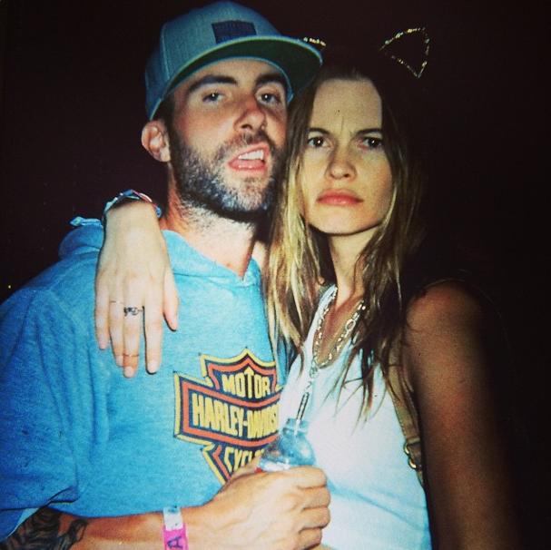 Adam Levine, le beau gosse des Maroon 5, est marié à Behati Prinsloo