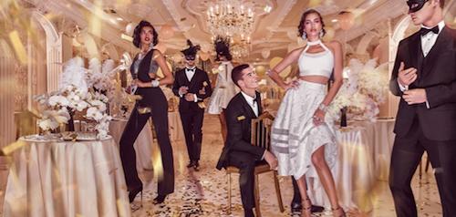 Photos : Irina Shayk, royale pour la campagne de Noël de Bebe !
