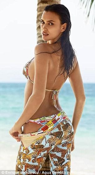 Photos : Irina Shayk : sexy en bikini pour Agua Bendita !