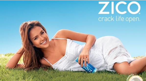 Jessica Alba dans de précédentes campagnes pour l'eau de coco Zico
