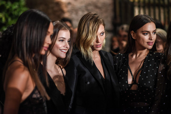 Photos : Joan Smalls, Irina Shayk, Anja Rubik... Les plus beaux looks de la soirée Intimissimi
