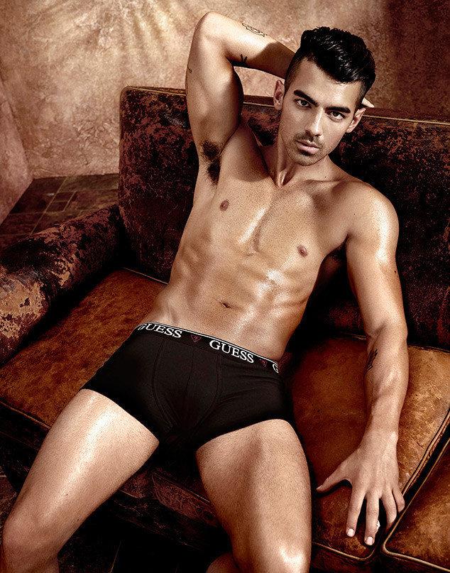 Joe Jonas dans la nouvelle campagne Guess Underwear