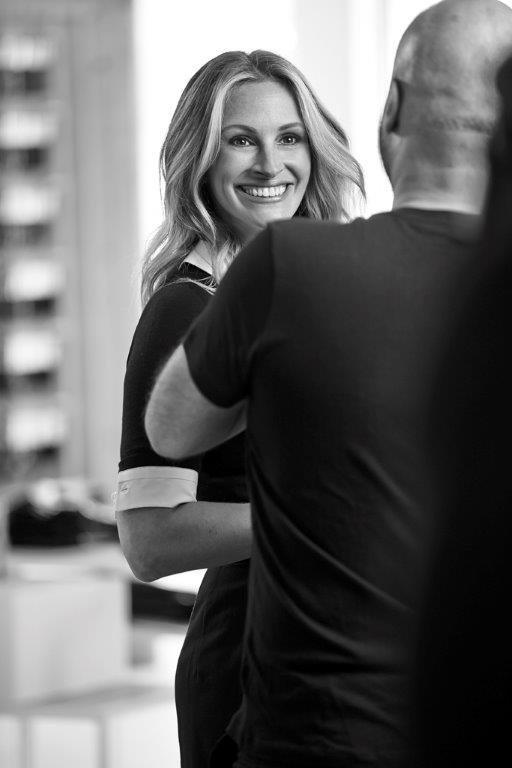 Photos : Julia Roberts joue la shopping addict pour Calzedonia !