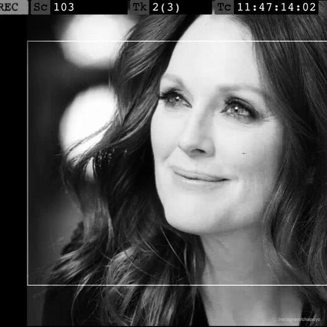 Photos : Julianne Moore : dans les coulisses d'une mystérieuse campagne pour L'Oréal...
