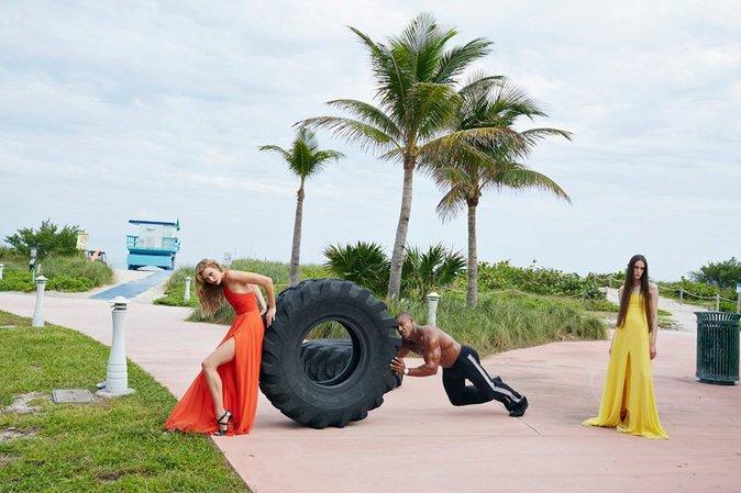 Photos : Karlie Kloss : captivante pour la nouvelle campagne Barneys