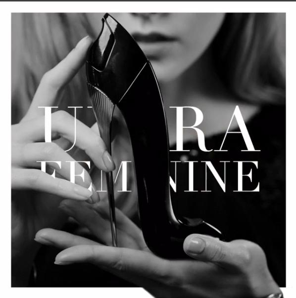 Karlie Kloss : glamour et envoûtante pour Carolina Herrera