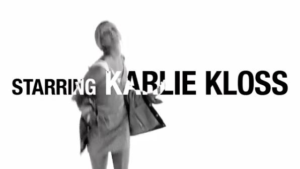 Photos : Karlie Kloss : sexy et naturelle pour la nouvelle campagne Mango