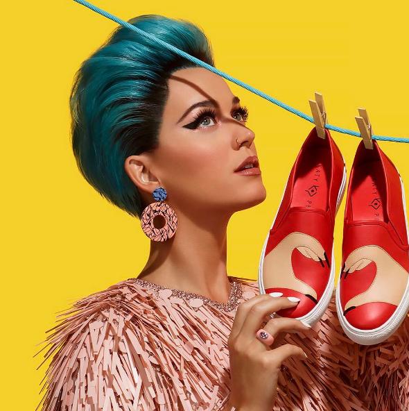Katy Perry déjantée lance une collection de chaussures totalement déjantée !