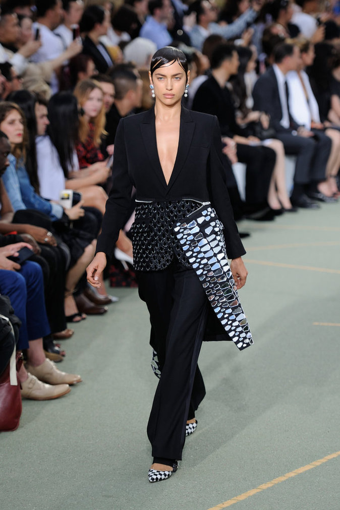 Irina Shayk lors du défilé Givenchy Homme - Automne 2016