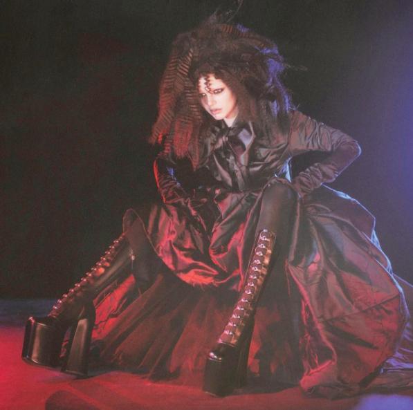 Photos : Kendall Jenner : Poupée gothique pour la nouvelle campagne Marc Jacobs !