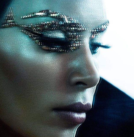 Kim Kardashian pour Violet Grey Magazine