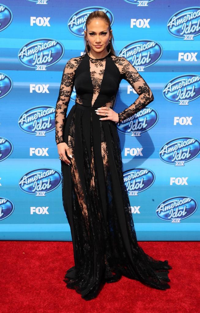 Jennifer Lopez mise sur la gaine !