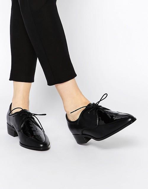 Chaussures plates noires, 41,99€