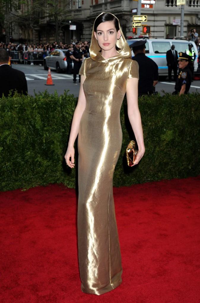 Anne Hathaway en Ralph Lauren