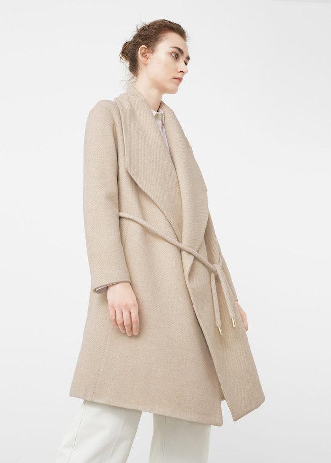 Manteau en laine nude, maxi revers - MANGO - 149,99€.
