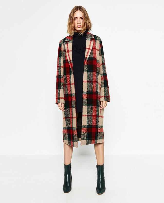 Manteau long à carreaux - ZARA -  69,95€.