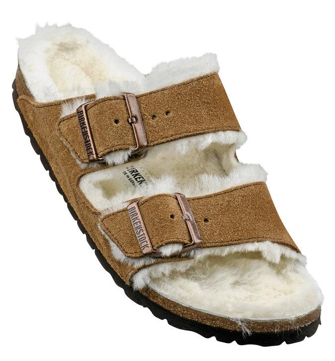 Nu-pieds en fourrure, Birkenstock 135 €