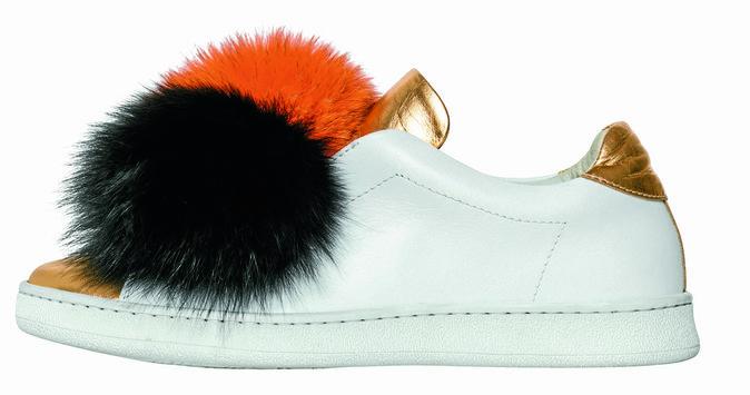 Sneakers en cuir à pompons, Joshua Sanders aux Galeries Lafayette 185 €