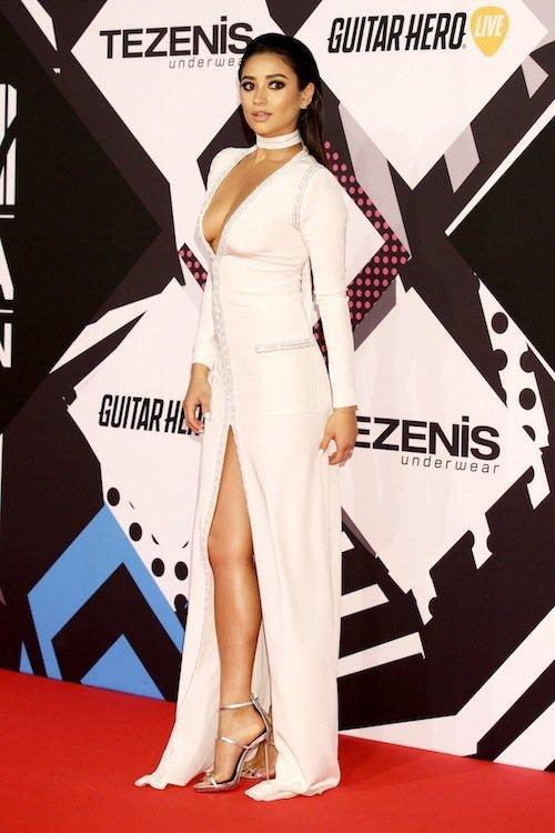 Shay Mitchell aux MTV EMA 2015 à Milans, le 25 octobre 2015